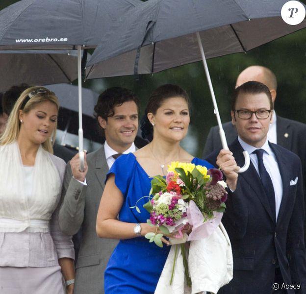 Madeleine, Carl Philip, Victoria et Daniel lors de la célébration du bicentenaire de la session du Parlement de 1810 à Orebro en Suède le 21 août 2010