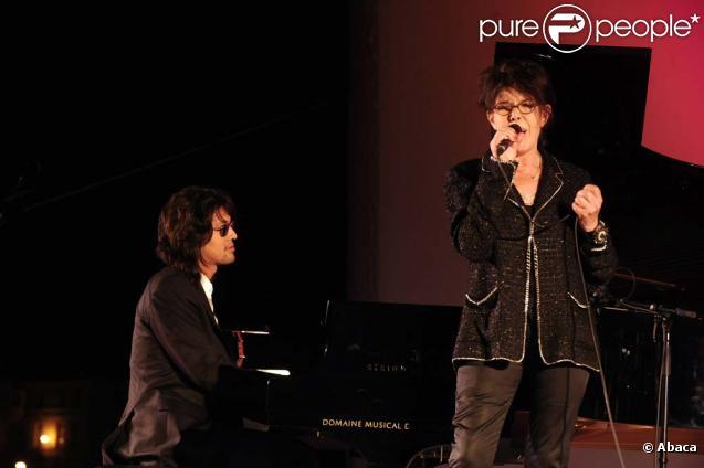 Lulu Gainsboug et Dani en concert au festival d'Angoulême, le 28 août 2010