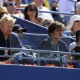 Dans les gradins de l'USTA Billie Jean King Tennis Center, à New York, Boris Becker et Noah, son fils de 16 ans, assistent à la victoire de Nadal sur Simon dans l'US Open 2010.