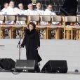 Susan Boyle chantait le 16 septembre 2010 pour le pape Benoît XVI, à Bellahouston Park, Glasgow. Mais le souverain pontife ne s'est pas vraiment attardé pour profiter du concert...