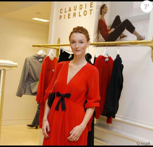 Audrey Marnay lance sa collection pour Claudie Pierlot, au Bon Marché, à Paris, le 16/09/2010.
