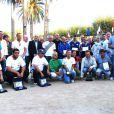 Toute l'équipe des people et des boulistes de haut niveau entoure le maire d'Ile Rousse
