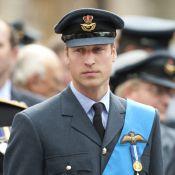 Le prince William d'une grande prestance au côté de son père, ému aux larmes !