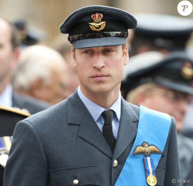 Le prince William lors de la commémoration de la Bataille d'Angleterre en l'abbaye de Westminster à Londres le 20 septembre 2010