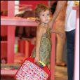 Jessica Alba et sa petite Honor font du shopping chez Lola et Moi, à Los Angeles, le 25  septembre 2010