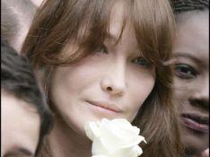 PHOTOS : Carla Bruni-Sarkozy défile à Paris en faveur de la libération d'Ingrid Betancourt -réactualisé-