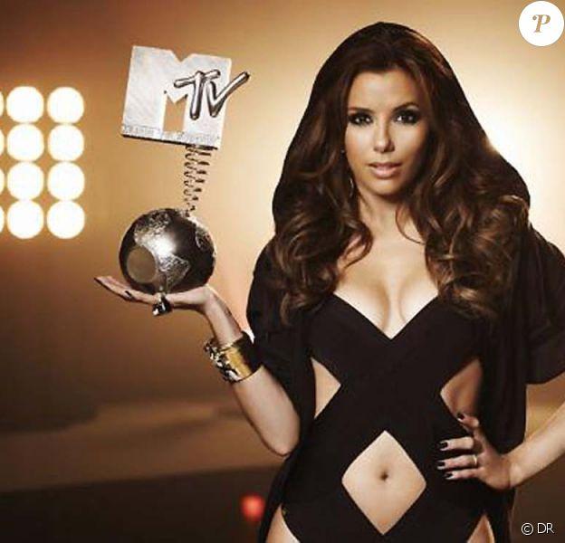 Eva Longoria : Que fait-elle avec cet MTV European Music Awards ?