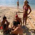 Difficile construction du radeau... (Koh Lanta / 8 octobre 2010)