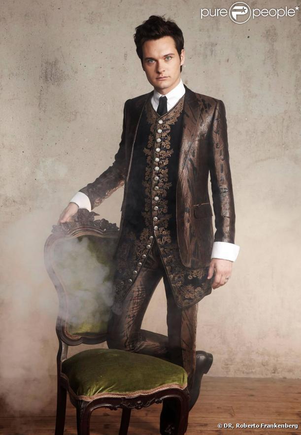 Julien Loko dans la comédie Musicale Dracula, L'Amour plus fort que la mort