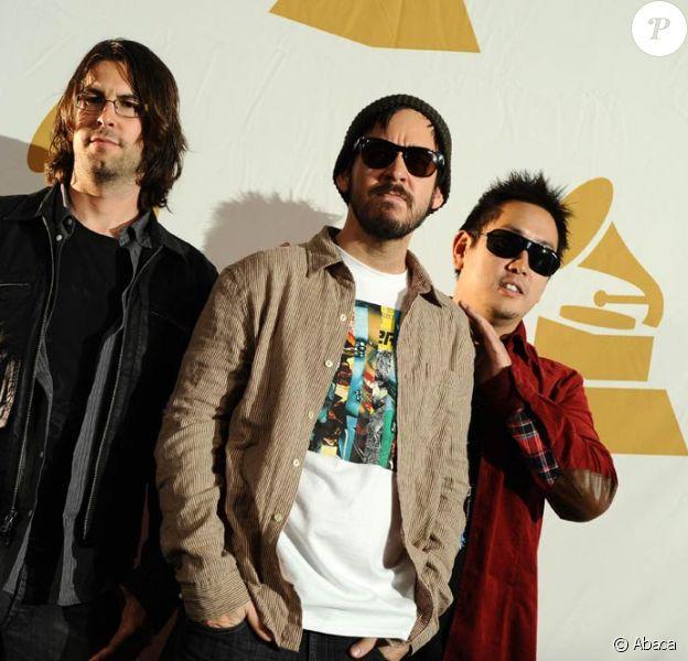 Pour le nouveau titre de la saga Medal of Honor (sortie : le 14 octobre 2010), Linkin Park prête son single The Catalyst. Joe Hahn (à droite, aux côtés de Rob bourdon et Mike Shinoda) en réalise le clip, ainsi qu'une vidéo teaser du jeu.
