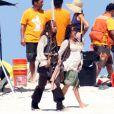 Johnny Depp et Penélope Cruz, enceinte, sur le tournage de  Pirates des Caraïbes - La Fontaine de Jouvence , en septembre 2010.