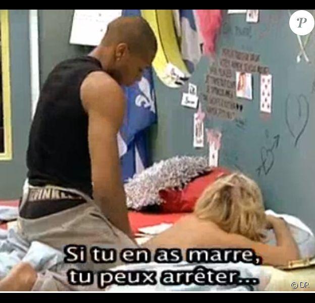 Message sensuel entre Senna et Stéphanie : quand le chat Amélie n'est pas là, les souris dansent !