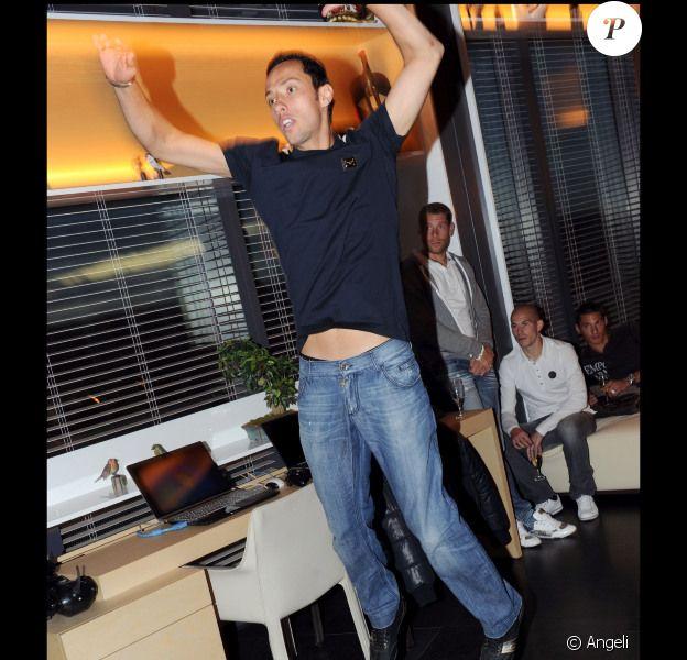 Le joueur Nene lors de la soirée XBox Kinect à Paris le 19/10/10