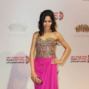 Freida Pinto : Une sublime princesse des mille et une nuits... bien entourée !