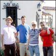 Tom Dumont réuni avec le groupe No Doubt en juin 2007 à Los Angeles pour la prépération d'un futur album