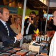 """""""Bertrand Delanoë au défilé du Salon du Chocolat le 27 octobre 2010 à Paris"""""""