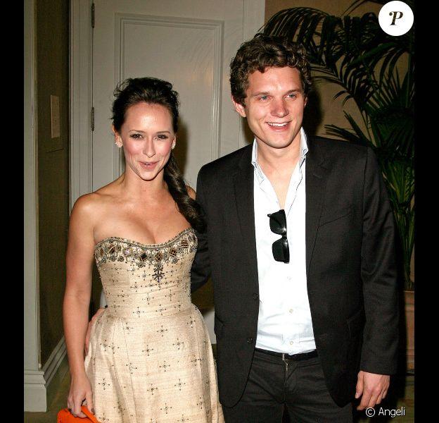 """Jennifer Love Hewitt et Alex Beh lors du 39e prix humanitaire annuel """"Paix contre violence"""" au Beverly Hotel le 29 octobre 2010"""
