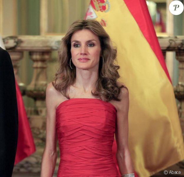 Letizia d'Espagne à Lima, Pérou lors de la rencontre  officielle avec le président péruvien Alan Garcia, le 23 novembre 2010.