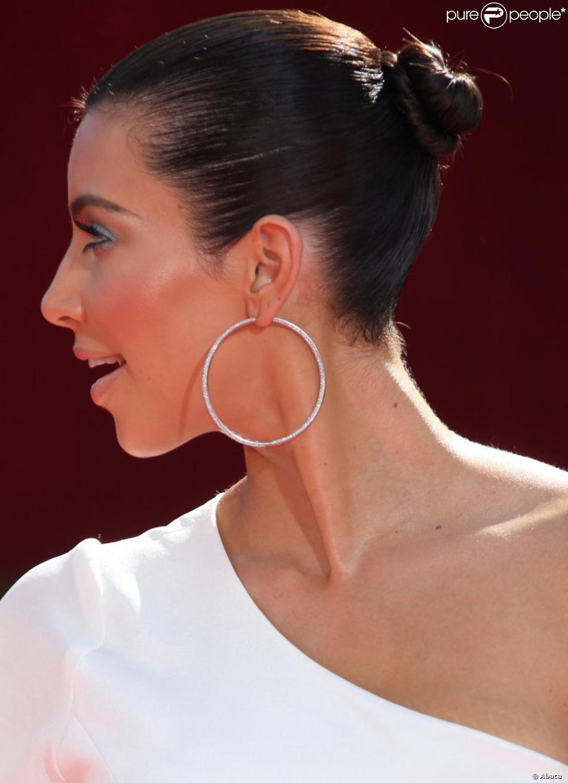 Kim Kardashian A Elle Aussi Tente Le Chignon De Danseuse Sur Le