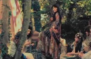Nolwenn Leroy, charmante conteuse de légendes dans le clip La Jument de Michao !