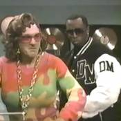 Robert de Niro, déguisé en femme voluptueuse, drague P. Diddy comme un pro !