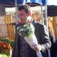 Ben Affleck offre des fleurs à sa belle (12 décembre 2010 à Pacidic Palisades)