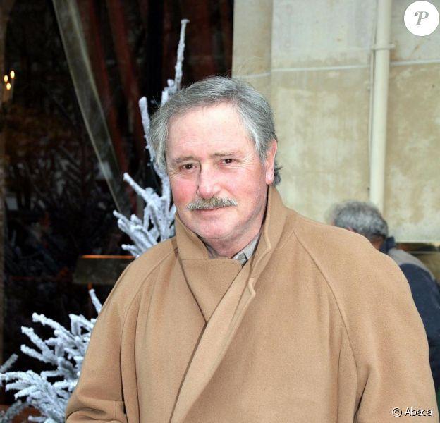 Victor Lanoux alias Louis la brocante et le commissaire Laviolette