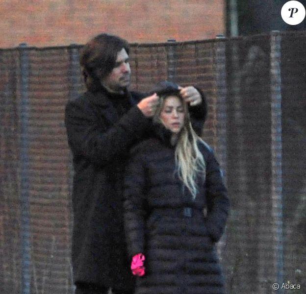 Shakira et son petit ami Antonio de la Rua se promènent dans les rues de Barcelone, il y a quelques jours...