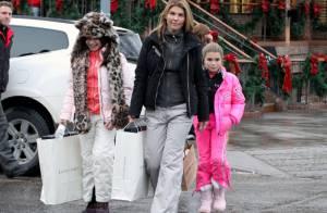 Lori Loughlin : la star de 90210 s'éclate avec sa fille et un bébé léopard !