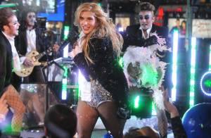 Kesha, totalement délurée, donne un coup de vieux aux Backstreet Boys et NKOTB !