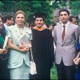 Farah Diba et Reza lors de la remise de diplôme d'Ali, en 1988.
