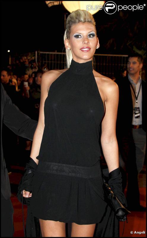 Amélie aux NRJ MUSIC AWARDS 2011