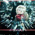 Britney Spears dans le clip  Hold it against me .