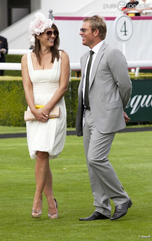 Elizabeth Hurley et Shane Warne lors de leur première rencontre, Cheschire, le 29 juillet 2010