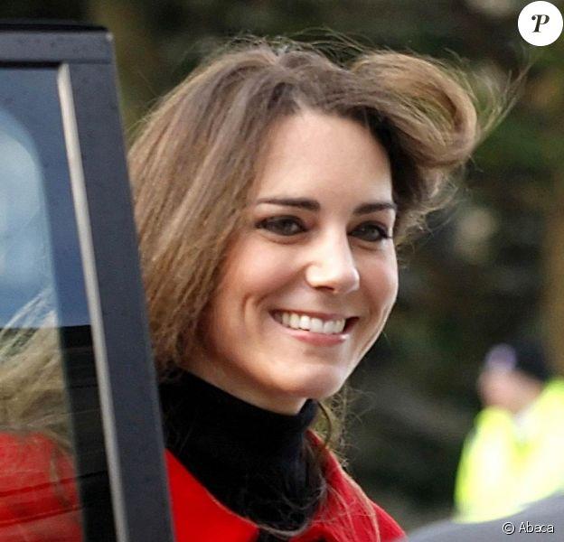 Le prince William et Kate Middleton étaient de retour sur les lieux de la naissance de leur amour, à St. Andrews, pour inaugurer les célébrations du 600e anniversaire de leur ancienne université, le 25 février 2011.