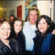 Annie Girardot et Alain Delon, avec la fille d'Annie, Giulia, et sa petite-fille Lola en 1997