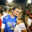 Gisele Bündchen et son mari Tom Brady font la fête et s'embrassent lors du Carnaval de Rio, le 6 mars 2011