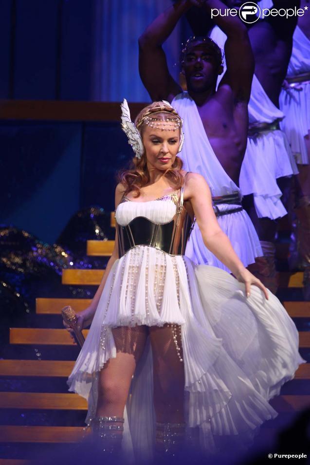 """Kylie Minogue, """"Les Folies Tour"""", à Paris, le 15 mars 2011"""