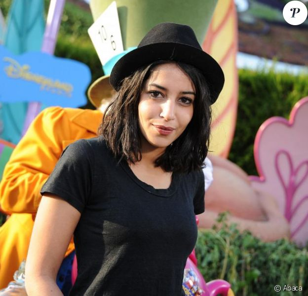 Leïla Bekhti lors du Festival des moments magiques de Disney au Disneyland Resort Paris à Marne-La-Vallée le 2 avril 2011