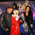 Valéry Zeitoun en famille lors du Festival des moments magiques de Disney au Disneyland Resort Paris à Marne-La-Vallée le 2 avril 2011