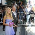 Michael Bublé et l'actrice Luisana Lopilato viennent de se marier civilement à Buenos Aires, en Argentine, le 31 mars 2011. Leurs fans les acclament !