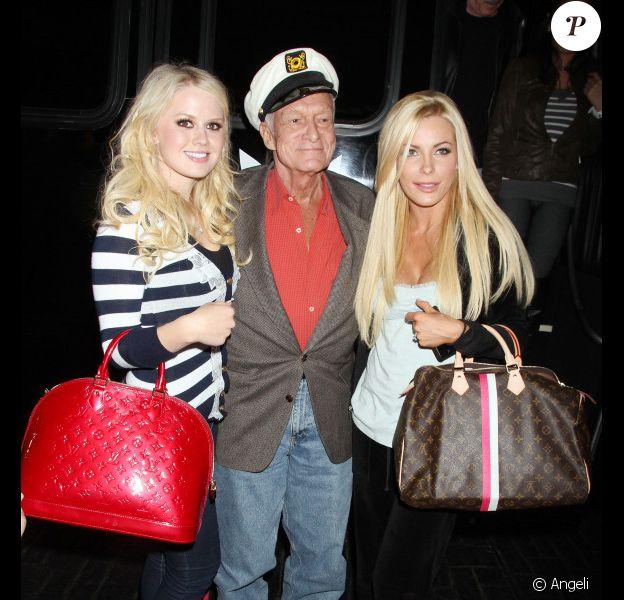 Hugh Hefner, Crystal Harris et Anna Sophia Berglund lors de la fête d'anniversaire de Hugh Hefner et Marston Hefner à Las Vegas le 9 avril 2011