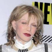 Courtney Love, en difficulté financière, met en vente sa garde-robe !