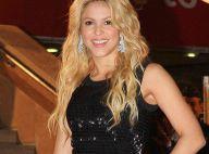 Shakira, magnifique et amoureuse, motive Gerard Piqué avec ses baisers !