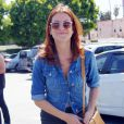 Kate Walsh nous fait une belle grimace avant de faire son shopping. Los Angeles, 15 avril 2011
