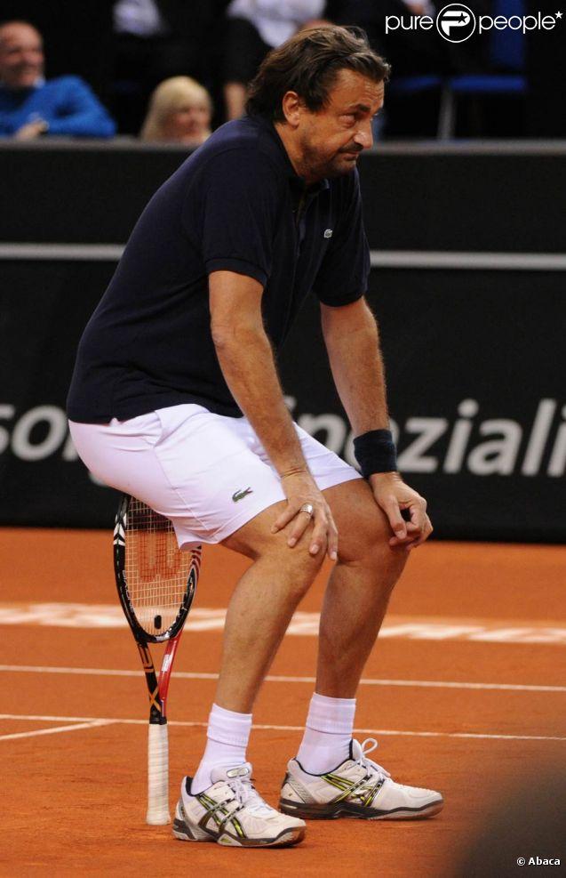 Henri Leconte a régalé le public de la Porsche Arena, en marge du tournoi de Stuttgart, lors d'un match exhibition avec Barbara Rittner, le 18 avril 2011.