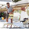 L'ex-star de The Hills Jason Wahler se détend à la plage avec sa girlfriend à Miami le 2 avril 2011