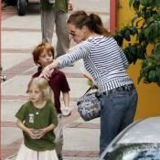Julia Roberts chouchoute ses jumeaux pendant que sa nièce hurle dans Scream 4 !