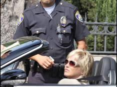 PHOTOS : Sharon Stone fait tomber une femme policier !