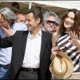 Carla Bruni et son époux Nicolas Sarkozy lors de la première régate Virginio Bruni-Tedeschi au Lavandou, en avril 2009.